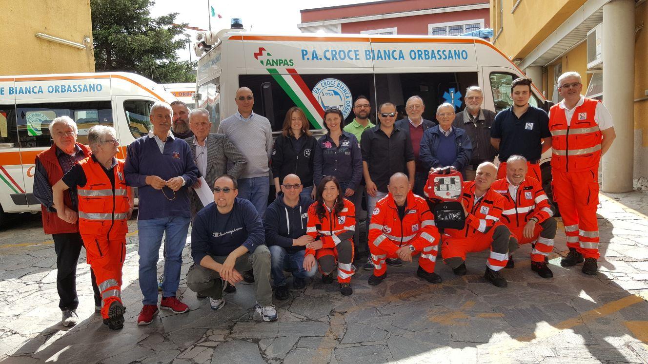 Comunicato stampa Anpas - PROGETTI MEDICAL DONA DEFIBRILLATORE ALLA CROCE BIANCA ORBASSANO